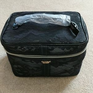 NWT soft shell train case with small cosmetic bag